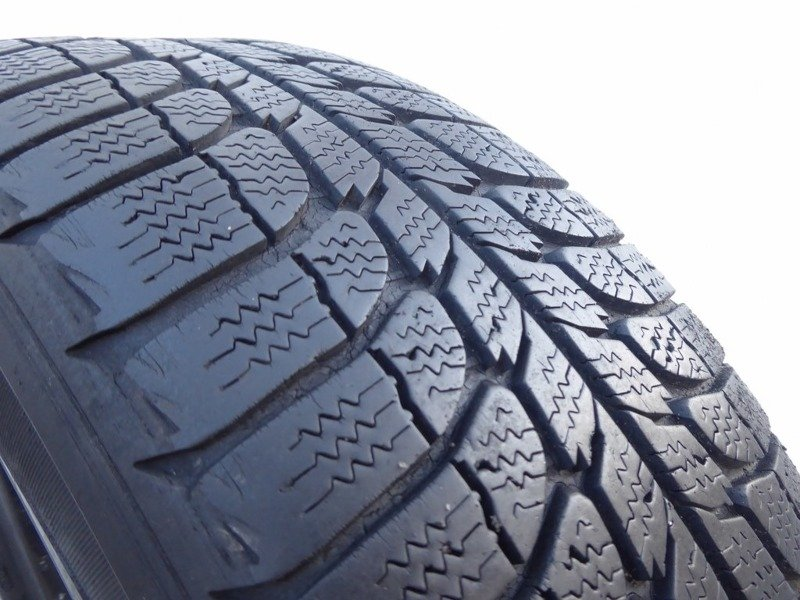 2x 185/65R15 88Q MICHELIN X-ICE 4,5mm