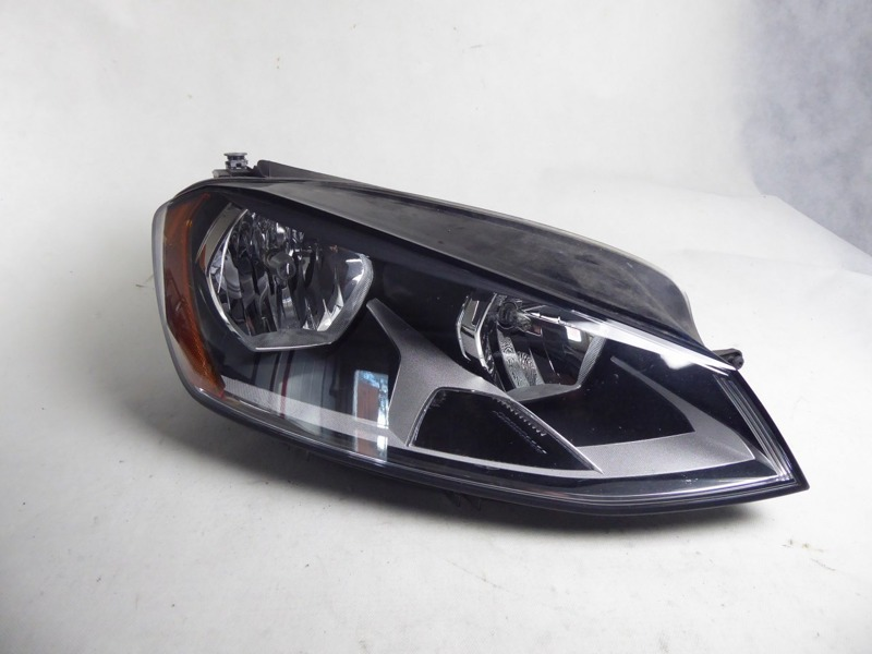 ФАРА ПРАВАЯ VW GOLF VII  5GM941006